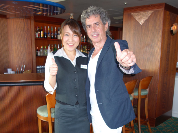 016 Hotel Nikko - Luli, my friend, Boss of the Bar!!! DSC02056